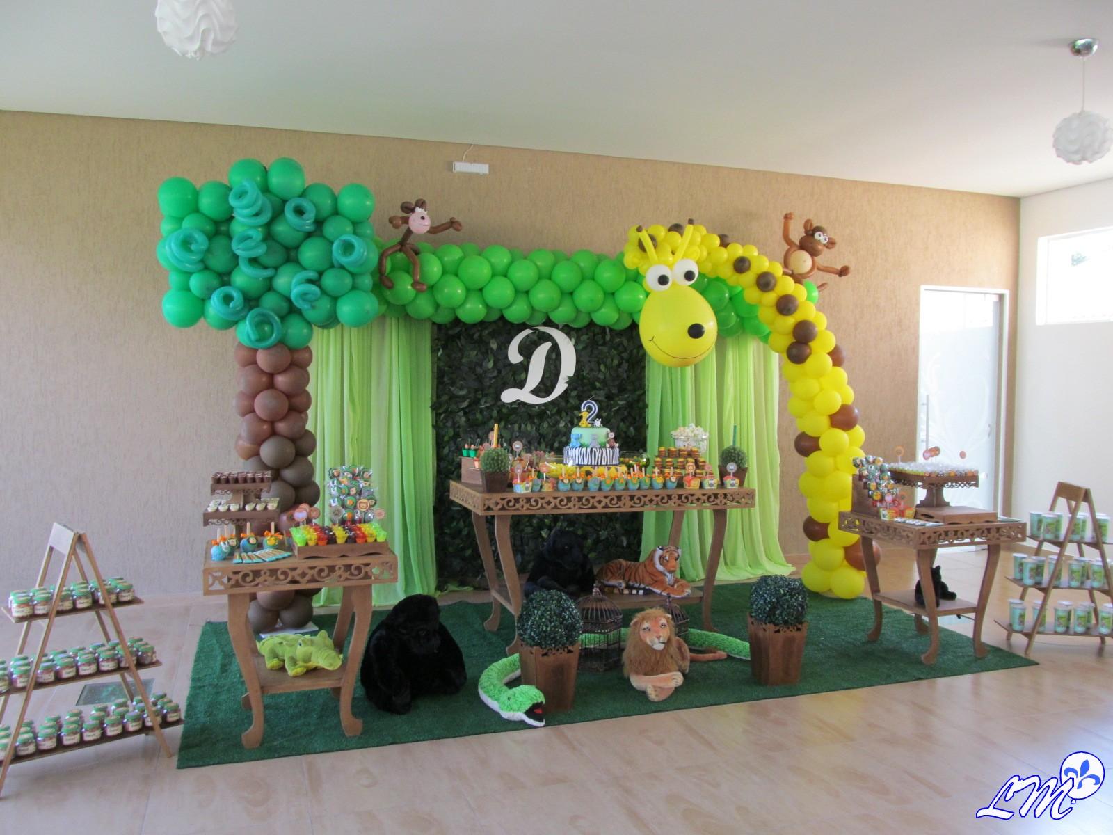 decoracao-com-baloes-festa-safari-pelucias-curitiba.jpg